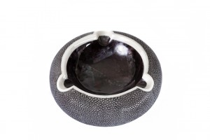 ANNA BLUM_Ashtray_Black Shagreen_Violet Oyster Shell
