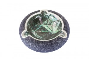 ANNA BLUM_Ashtray_Navy Blue Shagreen_Abalone Shell